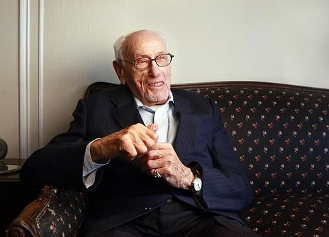 Veteran actor Eli Wallach, who turns 95 on Dec. 7, 2010, will be presented with an honorary Oscar. Wallach lives in New York.