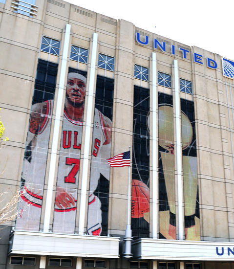 The likeness of Carmelo Anthony displayed at the United Center.