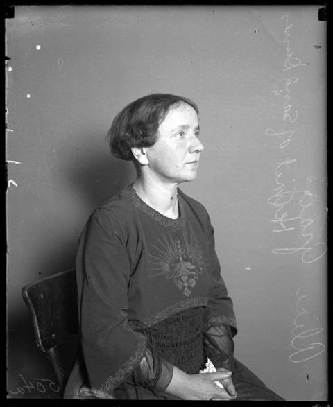 """Alice Gray came back to visit Chicago at least once in 1916, according to the Tribune. The newspaper wrote, """"The city's clothes and ways were heavy and wearisome and she longed for the solitude of the sands almost the moment after her arrival."""" Undated photo."""