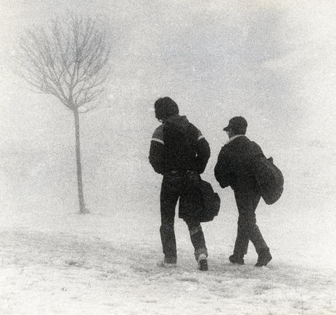March 21, 1984: Fog shrouds students on their way to Glenside Junior High School during spring's first hours. Forecasters predicted unseasonably cold temperatures for the next two days.