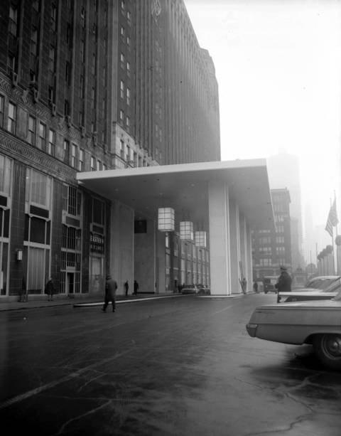 Construction started in 1962 for the new 145-foot portico in front of the Merchandise Mart. The lights were turned on for the first time, shown here, on Jan. 3, 1963.