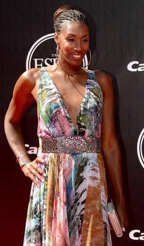 Former WNBA player Lisa Leslie arrives at the 2014 ESPY Award show.