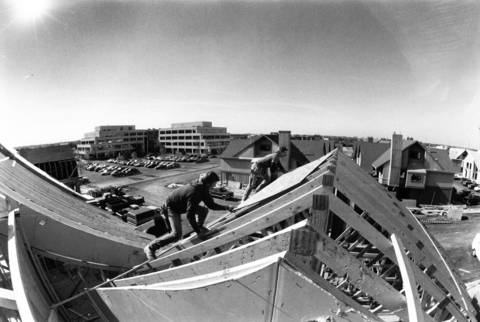 Oct. 14, 1988: Carpenters Bill Griffin and Mark Ludington construct a roof at the Deerbrook Corporate Center in Deerfield.