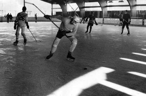 Dec. 1, 1971: Hockey players enjoy the new Niles ice skating rink.