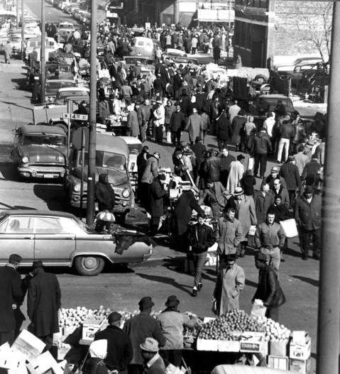 The scene at 14th Street shows the size of a Sunday crowd at Maxwell Street Market in Feb. 1965.