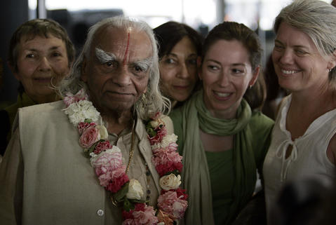 The Indian guru was one of the West's most influential teachers of yoga. He helped lay the foundation for its explosive growth and attained rock-star status with tens of thousands of followers. He was 95.
