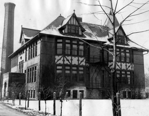 Jan. 5, 1932: Central School remained closed after Christmas break while a committee of citizens sought to raise enough money to reopen it.