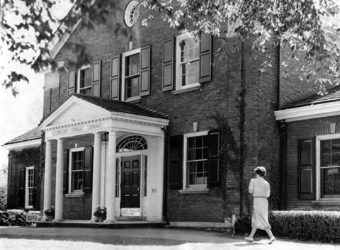 Sept. 22, 1949: Glencoe Public Library eight years after it opened. The library moved three times before finding a permanent home in 1941 at 320 Park Ave.