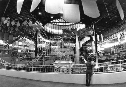 Dec. 18, 1977: Visitors to Old Chicago, a combination shopping center and indoor amusement park, check out the $6 million in improvements and additions to the facility, which opened two years earlier.