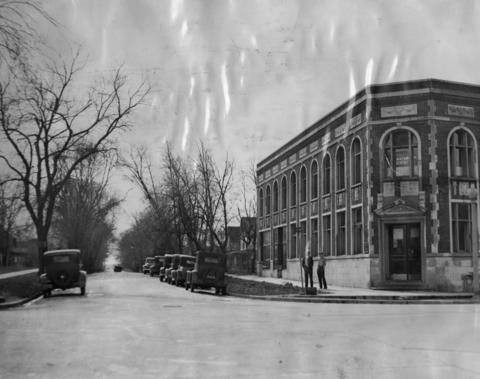 Nov. 24, 1931: The intersection of Lawn and Burlington Avenues in Western Springs.