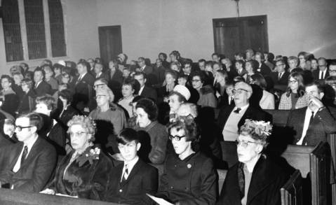 Dec. 24, 1968: The Christmas Eve service at First Congregational Church in Western Springs.