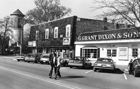 Oct. 24, 1984: Downtown Western Springs along Burlington Avenue just east of Lawn Avenue.