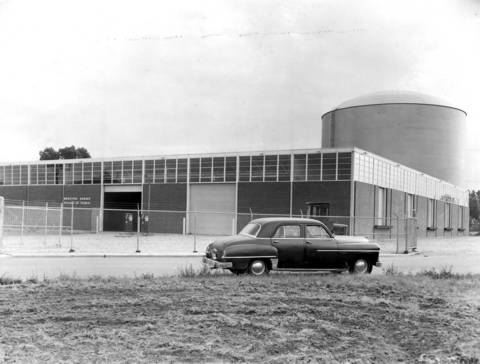 Sept. 15, 1958: The new Municipal Garage, located at Gross Point Road and Davis Street in Skokie. A 5 million-gallon water tank stands behind it.