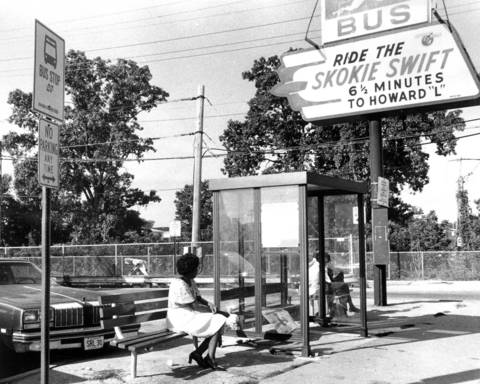 Sept. 11, 1978: Commuters wait at the Skokie Swift station for private drivers and taxis because of the Nortran driver strike.