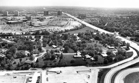 May 13, 1987: An aerial view of the residential area off Route 83 north of Oakbrook Center.