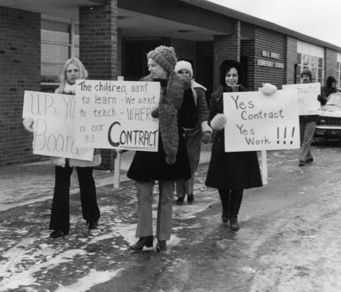 Feb. 8, 1971: Teachers at Ira L. Rupley School in Elk Grove Village go on strike.