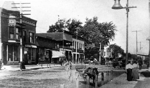 Early-1900s: This photo looks north from Cook Street and Milwaukee Avenue in Libertyville.