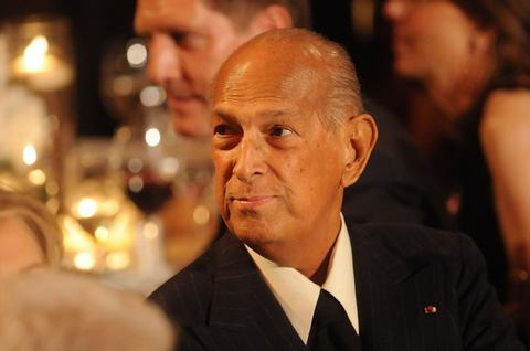Fashion designer Oscar De La Renta died of cancer at the age of 82.