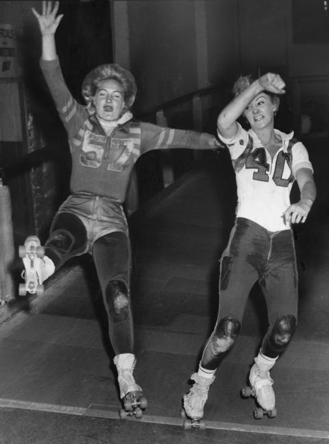 Joan Weston, left, and Cathy Reed collided in a practice on Oct. 17, 1963, to prepare for an upcoming series at the Coliseum.