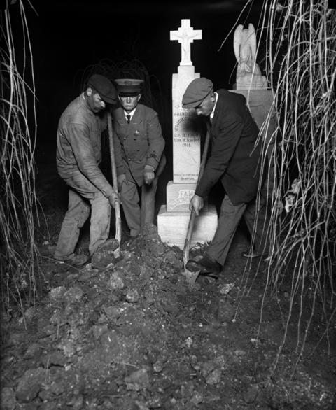 The bodies of Tillie Klimek's many husbands and friends were exhumed as evidence in her 1923 trial. Klimek was accused and found guilty of poisoning three of her husbands to death with arsenic and sending her fourth to the hospital.