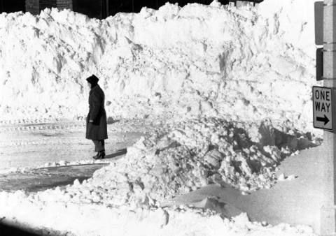 When the sun finally broke through on Jan. 14, 1979, there were piles of snow sometimes 15 to 20 feet high, as seen here in Oak Park.