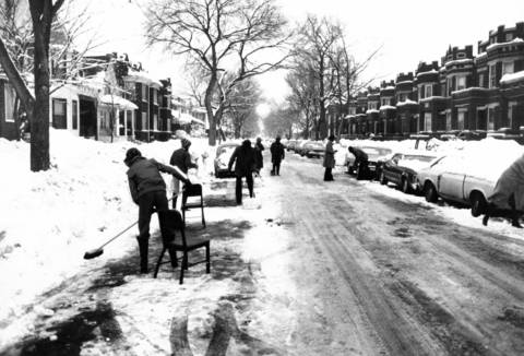 Residents keeping their street clear of snow in the 900 block of North Leclaire in Chicago on Jan. 26, 1979.