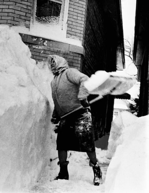 After the snow of the 1967 blizzard stopped, the cleanup began. Fierce winds whipped the snow into drifts as high as 12 feet.