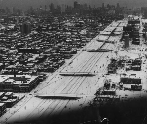 A view of the city, looking east from above the Eisenhower Expressway, reveals the day an entire metropolis stood still on Jan. 27, 1967.