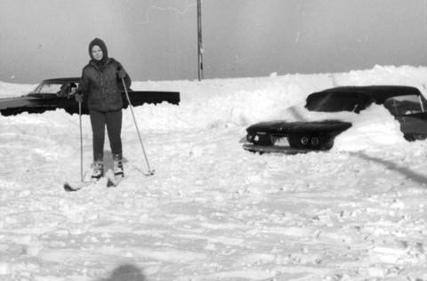 A young skier tries the snow on North Lake Shore Drive at Hollywood Avenue on Jan. 28, 1967.