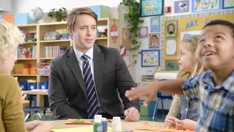 """Actor Beck Bennett, known for the AT&T """"It's Not Complicated"""" ads, is a New Trier High School graduate and was a featured player on Season 39 of """"Saturday Night Live."""""""