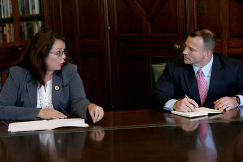 Rep. Tammy Duckworth, D-Ill., and Republican candidate Larry Kaifesh field questions from the Tribune Editorial Board on Sept. 22, 2014.