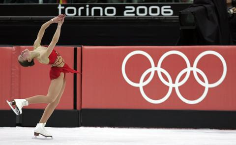 Kimmie Meissner competes in the free skate.