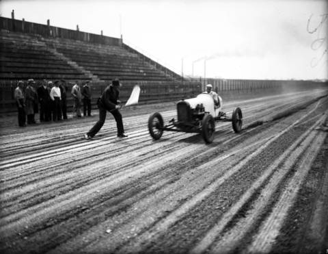Chicagoan Billy Arnold at Roby Speedway, circa 1932. Arnold had won the Indianapolis 500 two years earlier, in 1930. Roby was a one-mile oval dirt track in Hammond, Indiana.