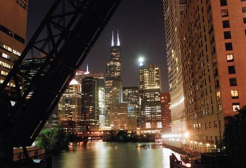 A view of the Sears Tower from the Kinzie Street bridge along the Chicago River in 2002.