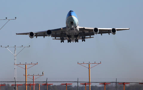 A SAM 28000 Boeing 747-200B aircraft, an aircraft in the presidential fleet, does a touch and go from Newport News Williamsburg International Airport on Friday.