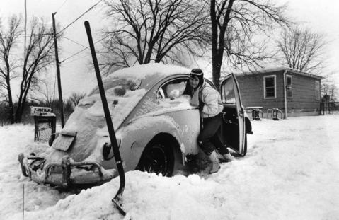 January 1982: An Antioch resident can't make it out of her driveway after a big storm hit the northern suburbs.