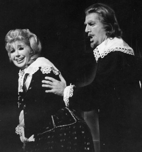 """1970: Beverly Sills is Lucia and Robert Hale is Raimondo in a production of """"Lucia di Lammermoor."""""""