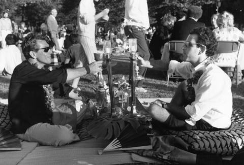 1985: Thousands were on hand to attend the opening of Ravinia's season. Augustin Fernandez and Robert George of Chicago brought Japanese food and wine.