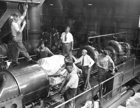 1931: Parts received via airmail from New Jersey are assembled at the Riverside pumping station, which has a daily capacity of 40 million gallons.