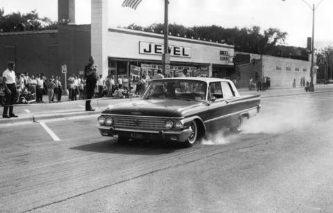 1962:The Cook County Traffic Safety Commission holds the 6th Annual Car Stopping Contest in Brookfield.