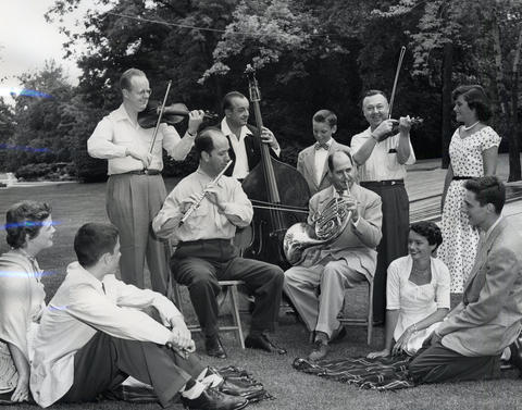 1953: A Chicago Symphony Orchestra group entertains teens before rehearsal. The season that year ran until Aug. 16.
