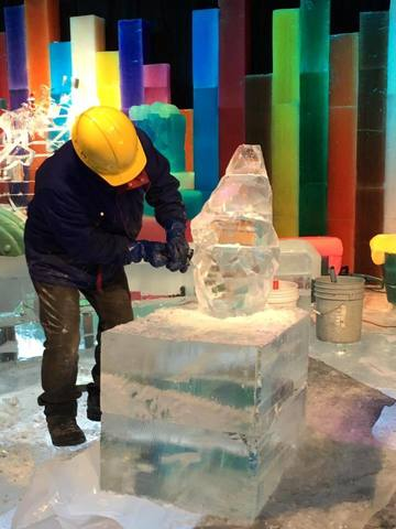 'Twas the Night Before Christmas is the theme for the annual ICE! attraction at Gaylord Palms in Kissimmee for 2015.