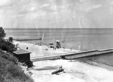 Elder Lane Beach in Winnetka in August 1931.