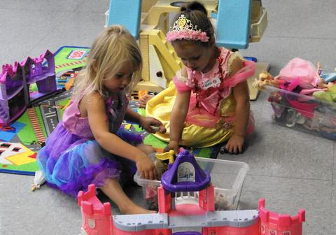 "More than two years after it hit cinemas, ""Frozen"" still chugs along. At this early-childhood event from Schaumburg Park District -- offered twice this month -- young ones (ages 3-6) can wear their princess dresses (or Olaf outfits) to celebrate winter with crafts, music and dancing. 1-2 p.m. at Community Recreation Center, 505 N. Springinsguth Road, Schaumburg. $10-$15. Repeats Jan. 21. www.parkfun.com"