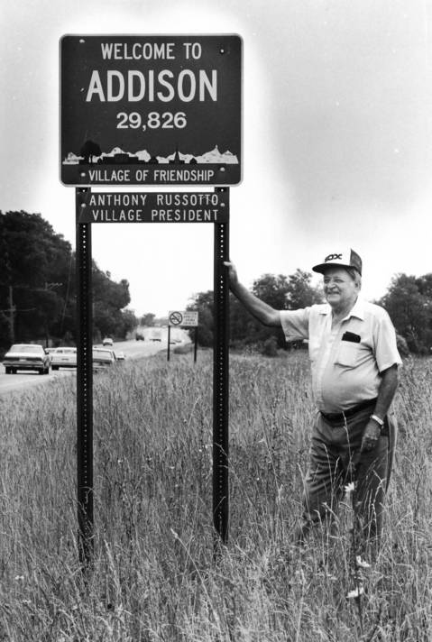 July 1986: John MacCauley, 72, of Roselle, stands by the proposed stadium location at Lake Street just west of Medinah Road as suburban White Sox fans try to lure the team to Addison.