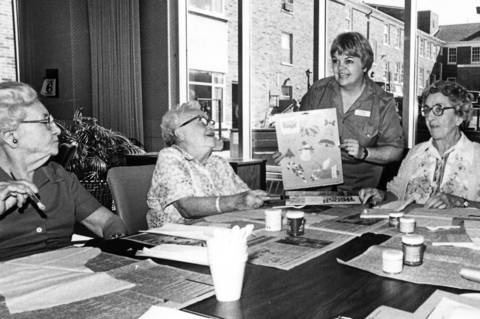 Oct., 1983: Lois Mielke hosts a sketching class at the Winchester House.