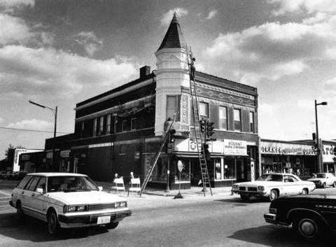"Oct., 1983: The caption for this photo of downtown notes that, ""despite its affluence, Libertyville has managed to retain the rural atmosphere that first greeted Yankee settlers in 1835."""
