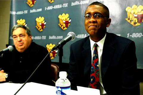 Jerry Krause at the press conference announcing Bill Cartwright as the next Bulls head coach on March 11, 2002.