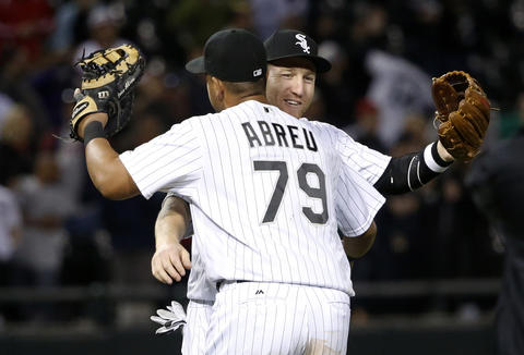 Todd Frazier and Jose Abreu celebrate the White Sox's 4-1 win over the Red Sox on May 3, 2016.