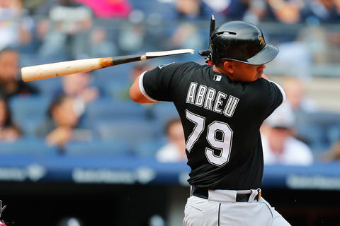 Jose Abreu breaks his bat grounding out to second base in the fourth inning against the Yankees.